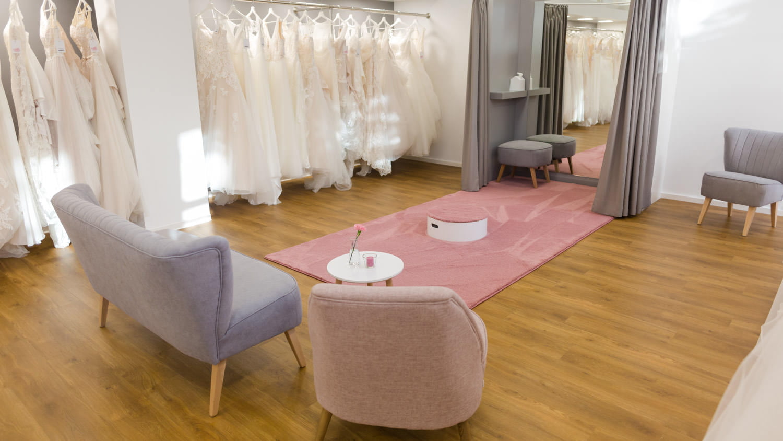 Brautkleid im Brautraum finden
