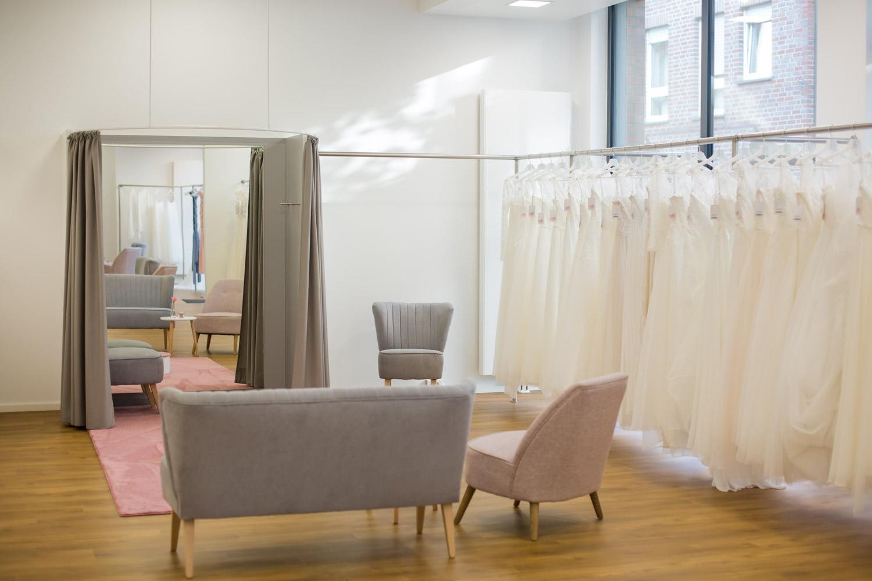 Brautkleid im Brautraum