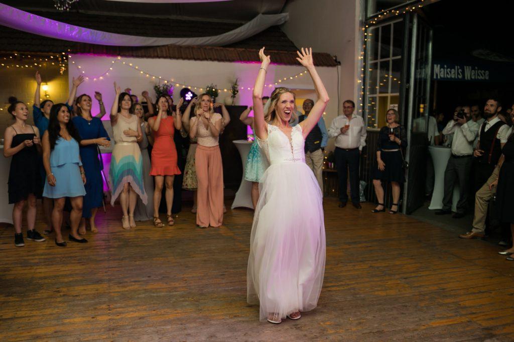 Hochzeit feiern mit Maedels