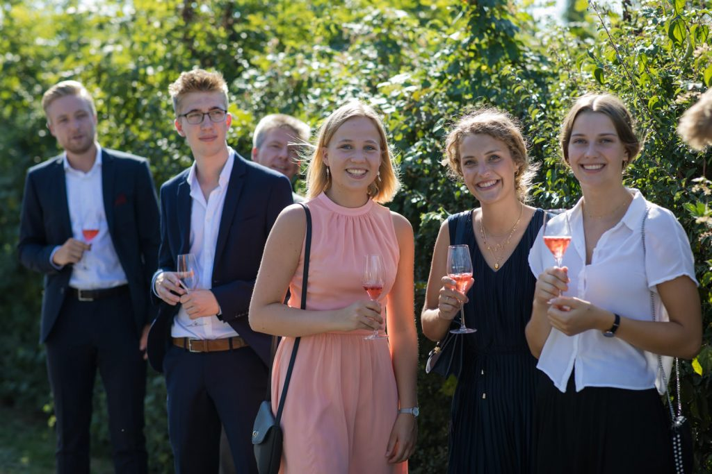 Hochzeitsgäste Spalier